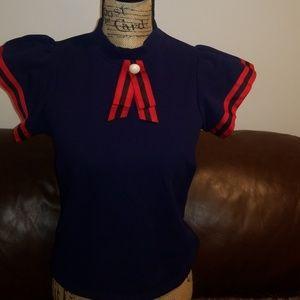 Tops - Brooch top shirt